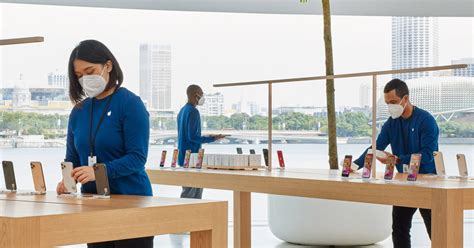 Apple Creates A Face Mask For Its Employees | Digital Trends